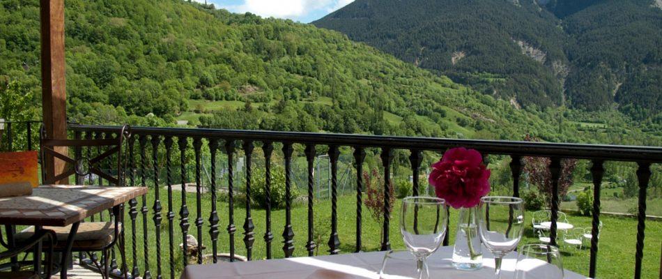 Datos del turismo en julio en la provincia de Huesca y España